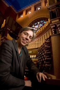 Archer_Gail_organist_at Central Synagogue_