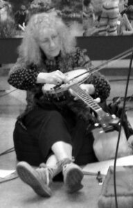 Carole Finer performing
